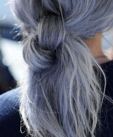 capelli-grigio blu -raccolti