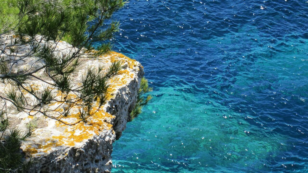 Profumo di mare, ricordo di vacanze, il boom delle fragranze marine
