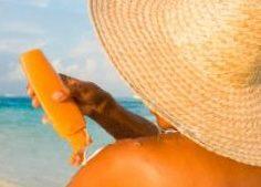 Protezione solare e tumori, non è facile scegliere le creme protettive