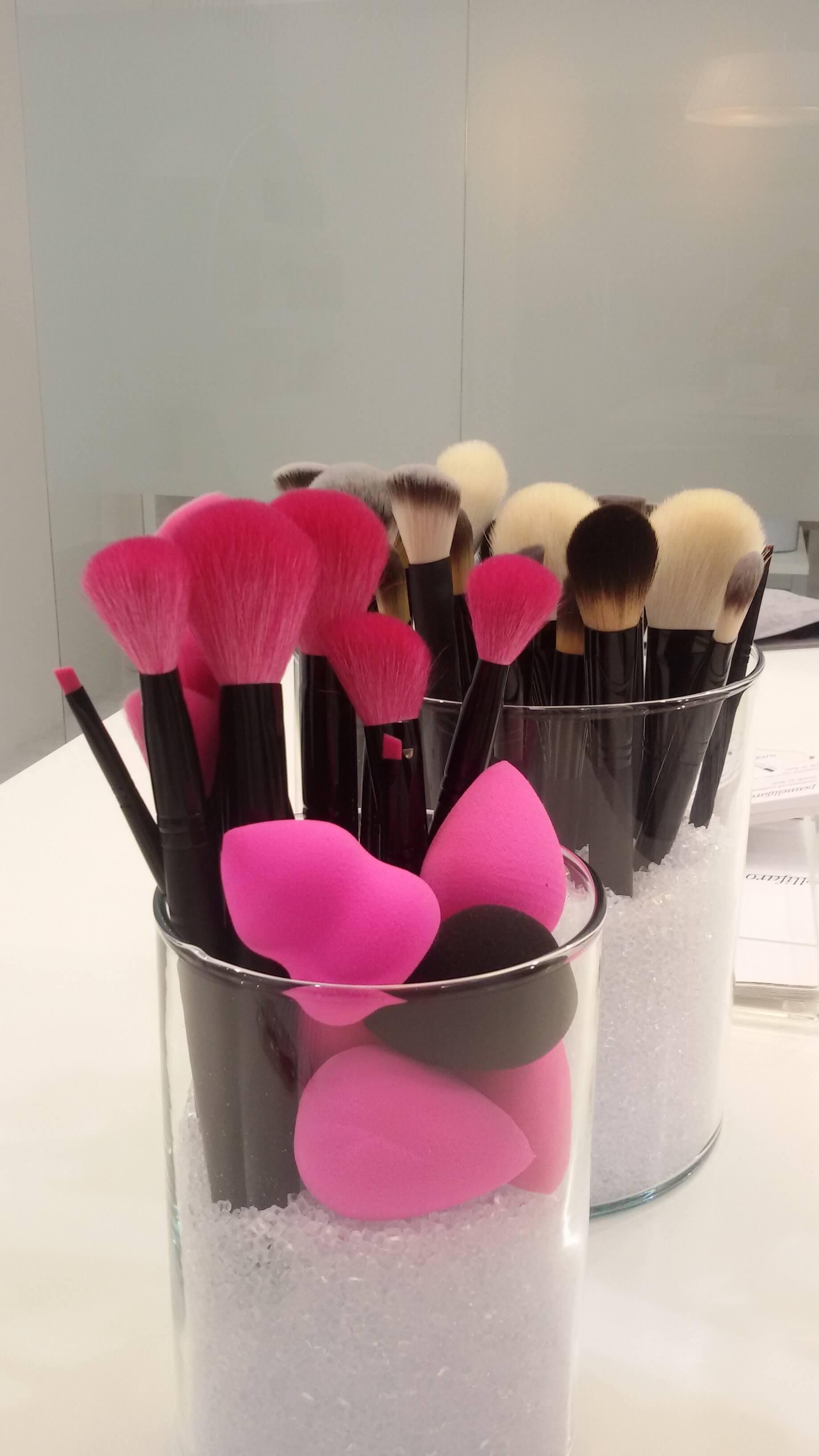 Il make-up perfetto si insegna a scuola. In barba ai tutorial e ai social, è boom accademie trucco