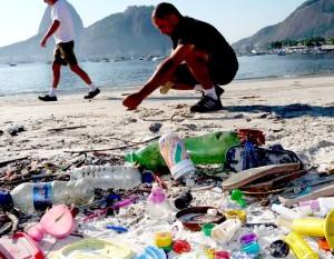 Dalla plastica agli oli beauty, start-up inglese vuole salvare gli oceani dalle microbeads