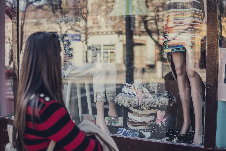 regole-flaneur-niente-stop-vetrine