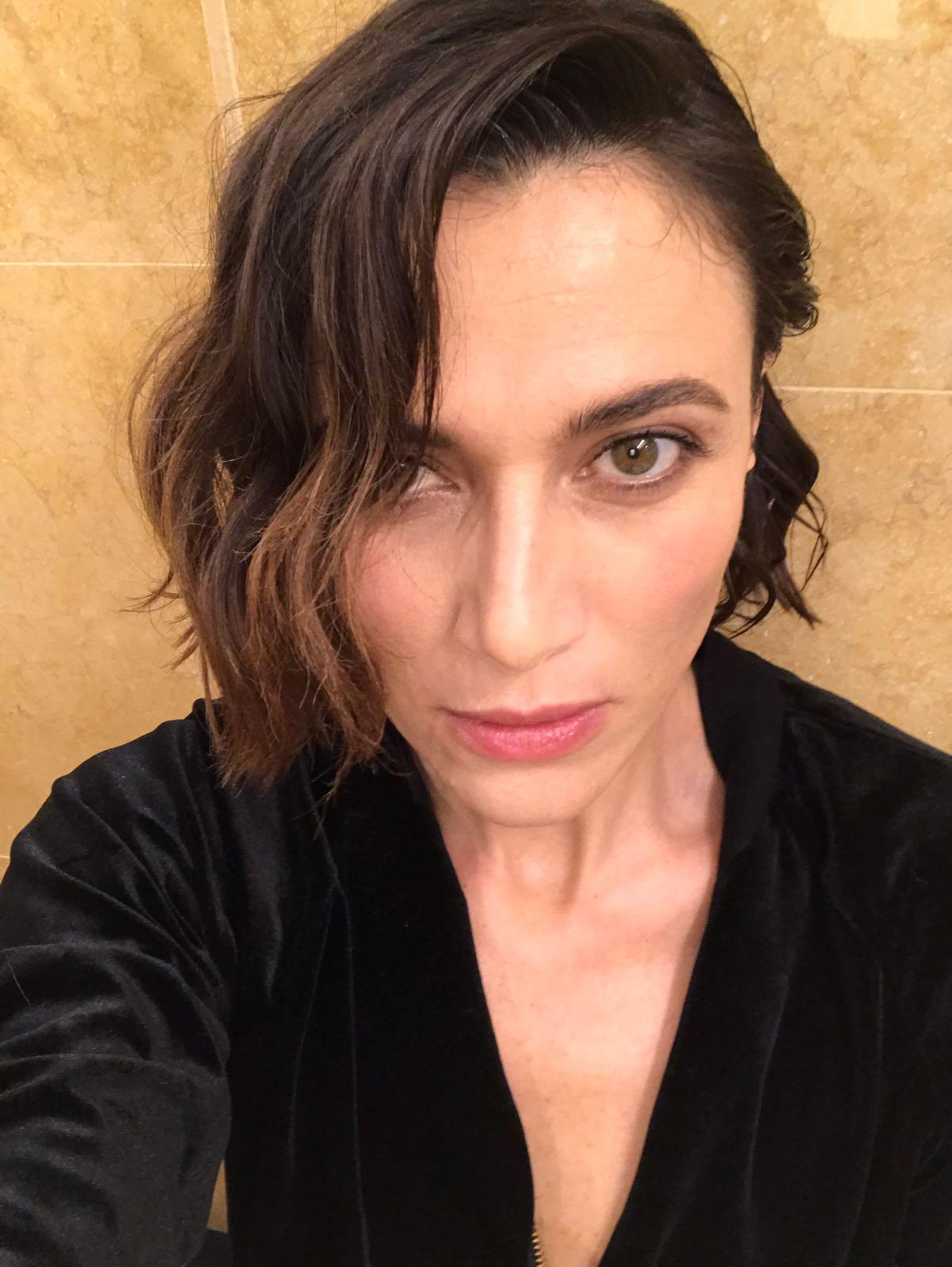 Anna Foglietta, dal backstage del festival di Sanremo il suo look in anteprima