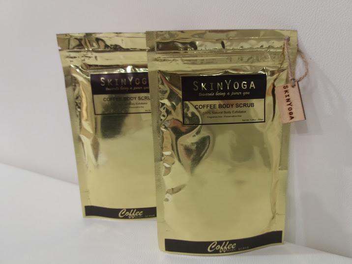 Scrub alla polvere di caffè 100% naturale, di SkinYoga dall'India, sezione indie beauty Cosmoprof