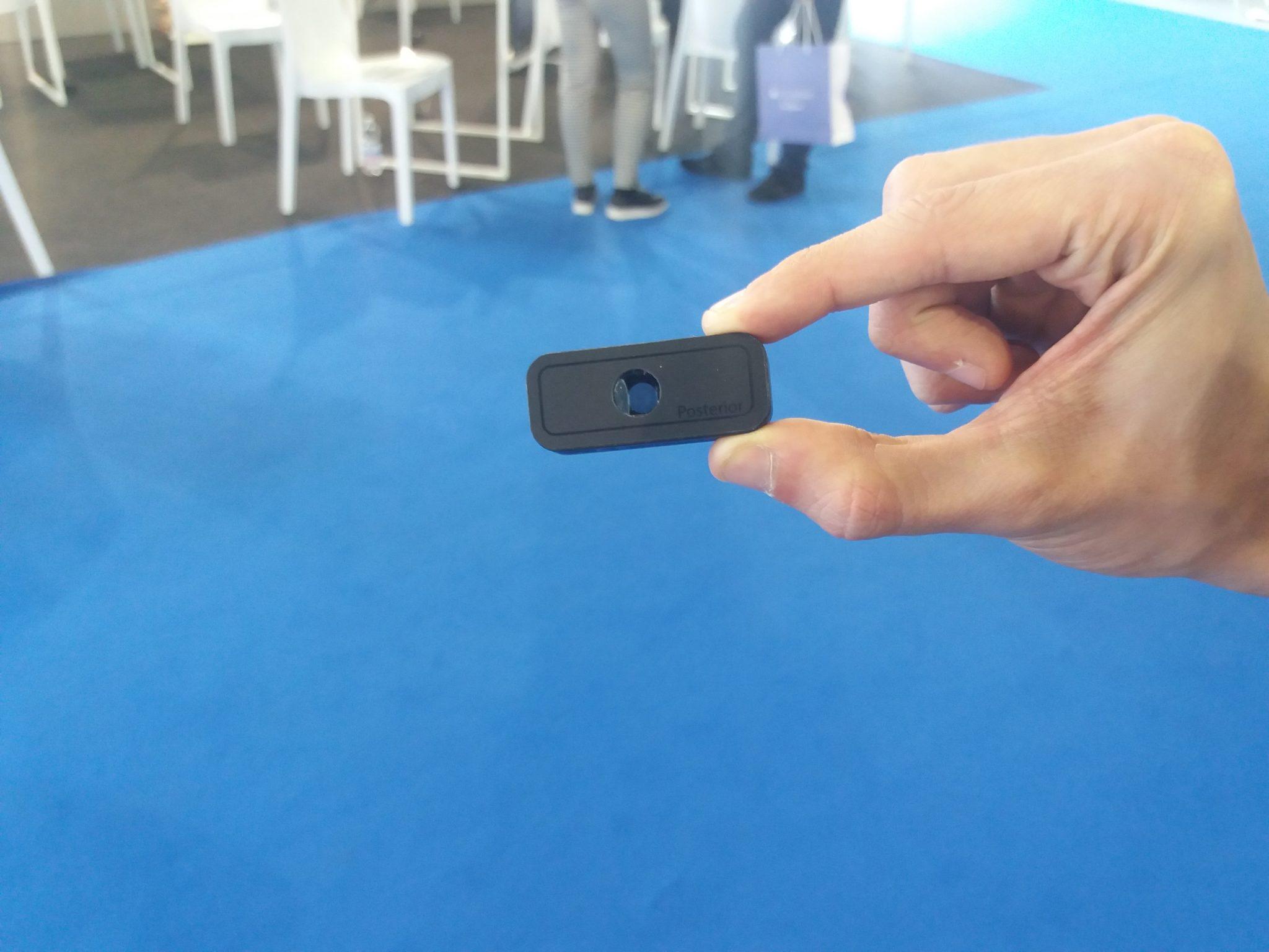 D-Eye placchetta da attaccare allo smartphone per analsi fondo occhio e retina