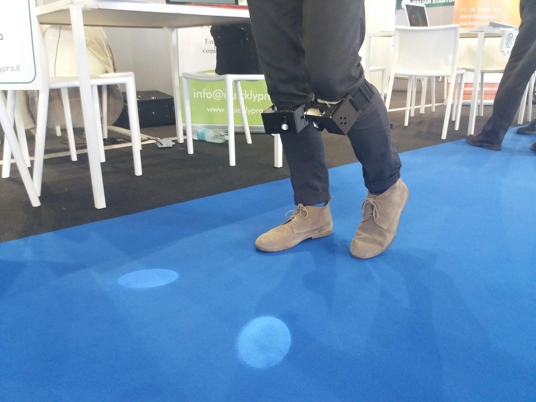 Quicklypro Q-Walk ginocchiere hitech per riabilitazione difficoltà motoria