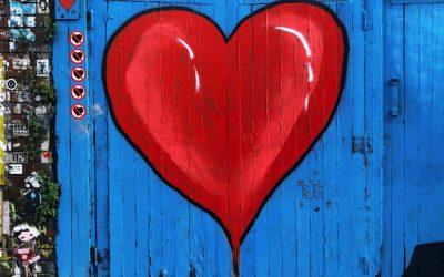 Vuoi sentire come batte il cuore? Ascolta il tatuaggio. Si, proprio così