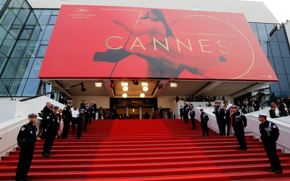 Capelli pieni di fascino, le dive del cinema a Cannes