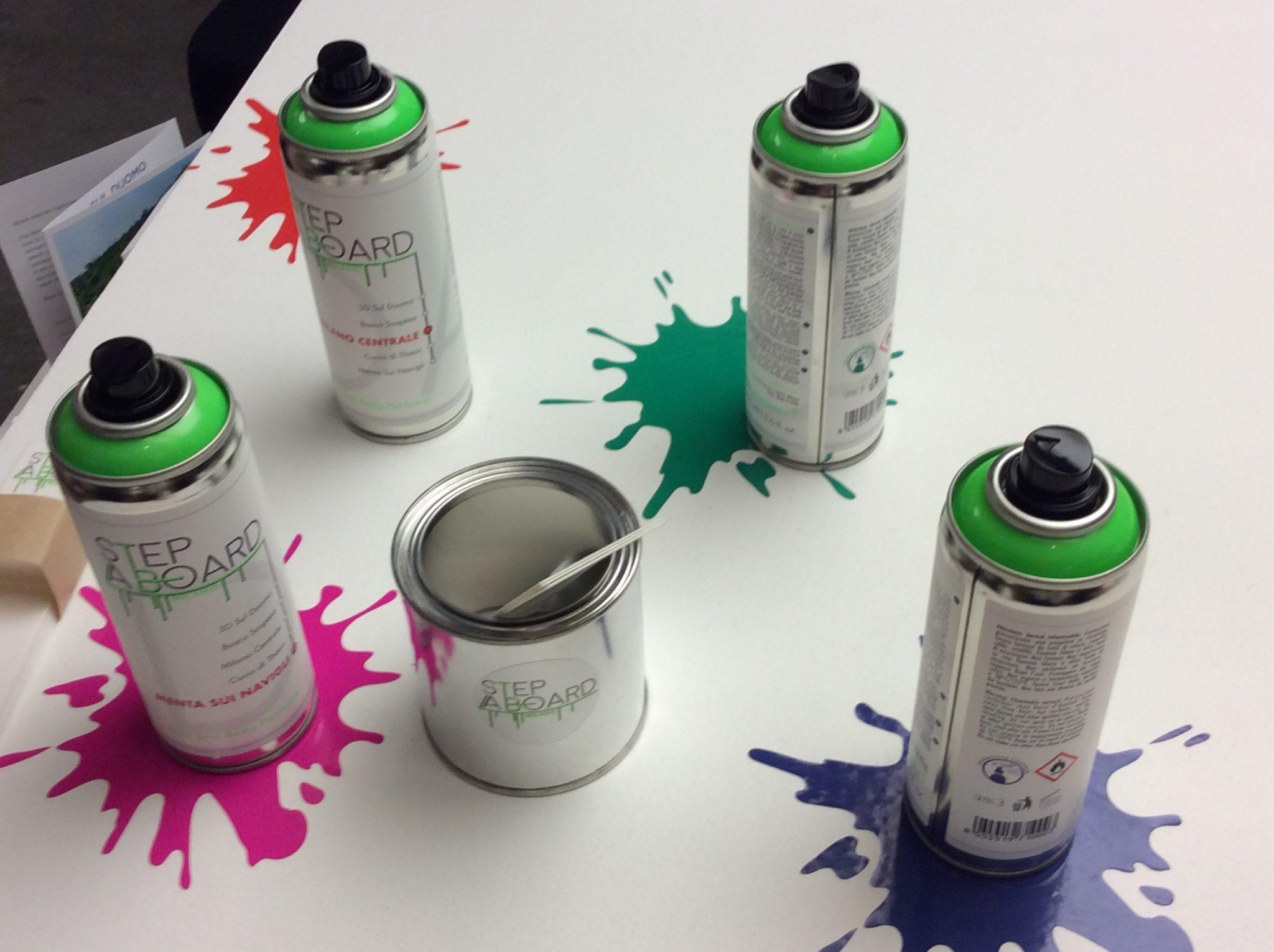 Profumi per corpo e capelli in bomboletta spray di ispirazione street art cittadina, dedicati alla città di Milano e al suo metrò, brand Step a Board
