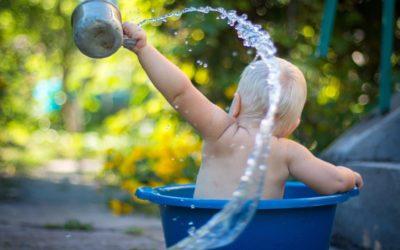 Dopo i parabeni è allarme phenoxyethanol nei cosmetici per bebè. Fa male? Qui le risposte