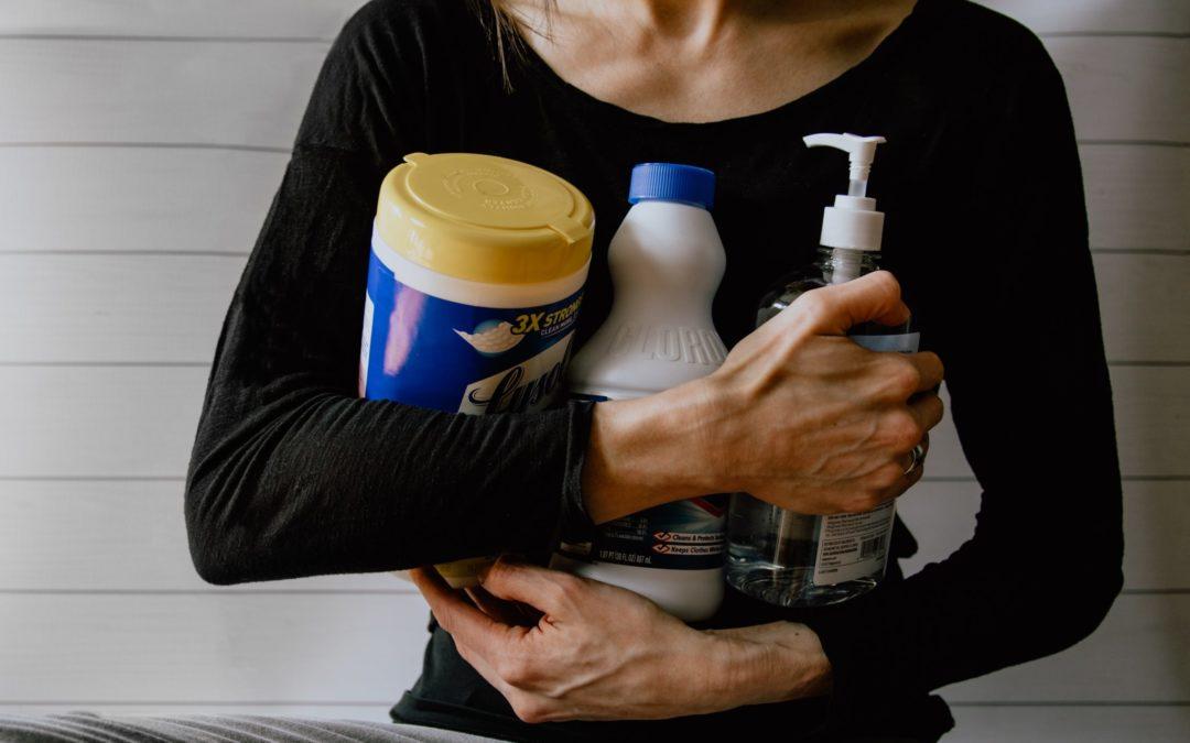 Troppi disinfettanti: SOS pulizie domestiche e creme migliori per le mani